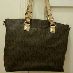 Michael Kors Bag Gently used Michael Kors purse Michael Kors Bags Totes