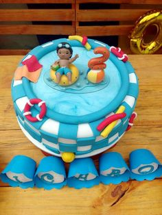 31 IDEIAS DE BOLOS E DOCES PARA FESTA NA PISCINA! Bolos Pool Party, Pool Party Cakes, Pool Cake, Boy Pool Parties, Pool Party Kids, Kid Pool, Pool Birthday Cakes, Swimming Cake, Boys First Birthday Party Ideas