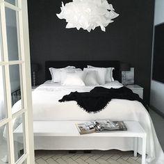 Die 26 besten Bilder von schlafzimmer schwarz weiß   Frames, Quote ...