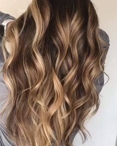 30 Medium to Long Hair Styles - Ombre Balayage Hairstyles for Women 2019 - Hair Dye Colors, Ombre Hair Color, Hair Color Balayage, Brown Hair Colors, Blonde Balayage, Hair Highlights, Caramel Highlights, Bayalage, Wavy Hair