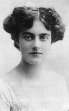 Clementine Churchill, Baroness Spencer-Churchill (1885-1977), wife of Sir Winston Churchill