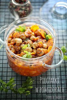 Pieczarki duszone w pomidorach Appetizer Salads, Appetizers, Stuffed Mushrooms, Food And Drink, Menu, Breakfast, Chili, Recipes, Stuff Mushrooms