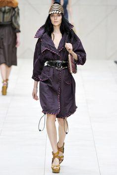 Burberry Spring 2012 Ready-to-Wear Fashion Show - Kinga Rajzak