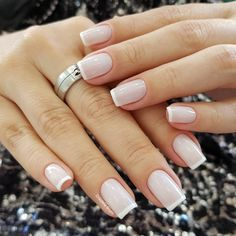 Nude nails designs are classy, which makes them appropriate for any occasion. French Manicure Gel Nails, Manicure E Pedicure, French Nails, Rose Gold Nails, Nude Nails, White Nails, May Nails, Hair And Nails, Gorgeous Nails