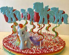 MY LITTLE PONY RAINBOW DASH MARSHMALLOW POPS: tutorial and free printable template at www.kerricreatesblog.wordpress.com