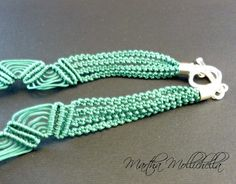 bouganville beads necklace macrame beads by Martha Mollichella - Lacasinaditobia Lacasinaditobia