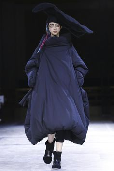 Yohji Yamamoto Ready To Wear Fall Winter 2014 Paris - NOWFASHION