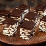 Learn how to prepare Fudge Biscuits. Chocolate Raspberry Brownies, Salted Chocolate, Melting Chocolate, Greek Sweets, Greek Desserts, Pie Cake, Different Recipes, Frozen Yogurt, Sweet Recipes