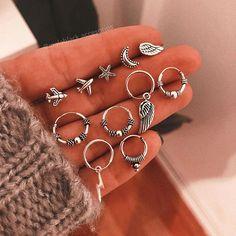 Hand Jewelry, Cute Jewelry, Jewelry Accessories, Ear Cuffs, Pretty Ear Piercings, Fashion Jewelry, Women Jewelry, Accesorios Casual, Foto Art