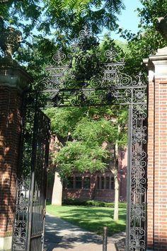 Gate to Harvard Yard on Quincy Street