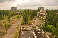GHOST TOWN Largest Abandoned Cities Around the World 1. Pripyat, Ukraine  Population loss doesn't just affect small rural cities; larger towns have fallen off the map, too. Whether for economic causes or because of natural disasters, these creepy ghost towns give a look into what would happen if humans suddenly disappeared. If you're looking for a post-Apocalyptic vacation destination, these places are your best bet.