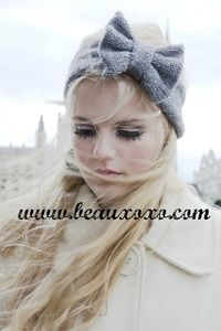 ♥ This listing is for the shade: GREY.♥ What could be any cuter than this Kawaii inspired knitted bow headband with a sweet big Hello Kitty esque oversized bow detail. Because of the way it is made, you can pull the bow out as much as you like to make the look work for you. Furthermore you can either wear the bow to the side of your head or on top, either way, it's the most adorable option this winter!♥ My knitted headband, with a super cute big bow, is the perfect way to keep you warm this…