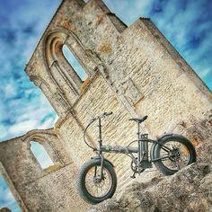 Instagram picutre by @wattitud: Le E-Bob est un vélo de la gamme Fat Bike il vous permettra même de prendre des chemins difficiles !  #vintage #ebob #mode #look #style #retro #cruiser #beachcruiser #wattitud #velo #veloelectrique #electricbike #ebike #bike #motobike #fatbike #fat #belgique #lille #larochelle #beach #surf #custom #followme #like - Shop E-Bikes at ElectricBikeCity.com (Use coupon PINTEREST for 10% off!)
