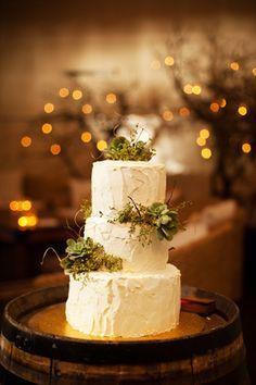 brides of adelaide magazine - wedding cake - outback wedding