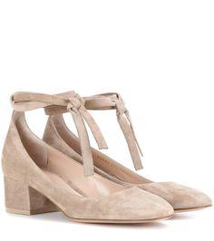 mytheresa.com - Pumps aus Veloursleder - Luxury Fashion for Women / Designer clothing, shoes, bags