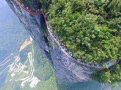 glass-bridge-zhangjiajie-national-forest-park-tianmen-mountain-hunan-china-6