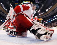 Jimmy Howard, Game 1, 04/18/2014
