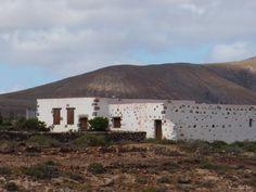 Canary Islands Photography: Arquitectura en los campos de Fuerteventura ....