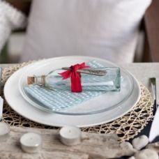 La decorazione tavola per la cena alla marinara