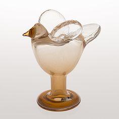OIVA TOIKKA, LINTU. Sieppo. Sign. Oiva Toikka, Nuutajärvi Notsjö. 1970-luvun alku. Glass Design, Design Art, Koti, Living Styles, Glass Birds, Nordic Design, Glass Art, Retro Vintage, Decoration