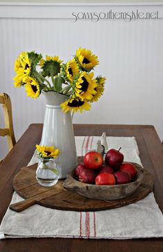 Savvy Southern Style: How To Decorate with Breadboards: Farmhouse Kitchen Decor, Farmhouse Style, Farmhouse Ideas, Rustic Farmhouse, Country Style, Fall Vignettes, Apple Decorations, Savvy Southern Style, French Country Decorating
