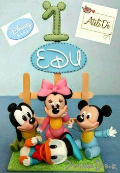 AteliDê - Decoração Infantil Personalizada: Disney / Baby Disney - Topos de bolo / Enfeites e ... Cupcake Toppers, Cupcake Cakes, Cupcakes, Bolo Mickey, Foundant, Disney Cakes, Sugar Art, Cake Tutorial, Baby Disney