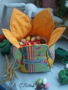 Osternaschereien Stitch, Easter Activities, Full Stop, Stitching, Sew, Stitches, Costura, Embroidery, Sewing