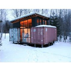 HOLYOKE SHIPPING CONTAINER CABIN | THE CASA CLUB