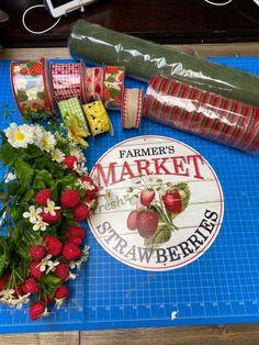Wreath Making Supplies, Wreath Tutorial, How To Make Wreaths, Farmers Market, Berries, Tutorials, Gifts, Presents, Bury