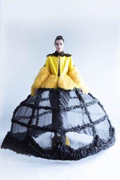 Couture Fashion, Fashion Art, Editorial Fashion, High Fashion, Fashion Beauty, Fashion Show, Womens Fashion, Fashion Design, Gala Dresses