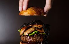 In Las Vegas, America's capital of glitz, these 11 burgers are flashy, flavorful, and totally over-the-top