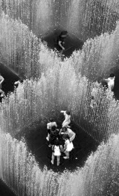 Jeppe Hein's aquatic interactive sculpture Appearing Rooms