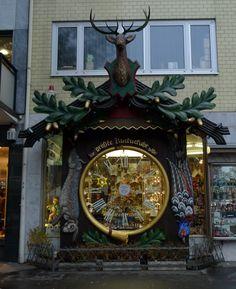 Fresh In Weisbaden Germany world us biggest cuckoo clock