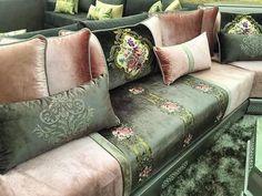 Moroccan Home Decor, Moroccan Furniture, Moroccan Interiors, Living Room Sofa Design, Home Room Design, Living Room Designs, Latest False Ceiling Designs, Drawing Room Furniture, Sofa Set Designs