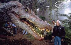 Jurassic Park III's full-size Spinosaurus comes to life at Stan Winston Studio. The animatronic T-rex killer makes film history. Jurassic Park Trilogy, Jurassic Park 1993, Michael Crichton, Science Fiction, Thriller, Jurrassic Park, World Movies, Geek Movies, Dinosaur Pictures