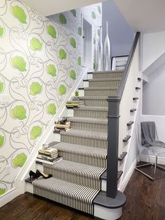 charcoal grey instead of usual dark brown Painted Banister Design, Pictures, Remodel, Decor and Ideas - page 3 - My-House-My-Home Painted Banister, Painted Staircases, Banisters, Stair Treads, Railings, Staircase Painting, Wallpaper Staircase, White Staircase, Staircase Runner