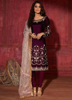 Party Wear Dresses, Dress Outfits, Fashion Outfits, Fashion Clothes, Casual Outfits, Dress Shoes, Dress Indian Style, Indian Dresses, Indian Wear