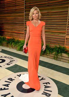 Kelly Ripa wasn't afraid of rocking bold color at the Vanity Fair Oscar party.