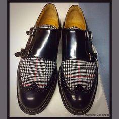 Raimondi Walking Shoes.. linea passeggio.. Doppia fibbia nera con inserto in tessuto Principe di Galles  #raimondigolfshoes #golfshoes #italiangolfshoes #madeinitaly #handmadeinitaly #italianstyle #walkingshoes #man #woman #italy