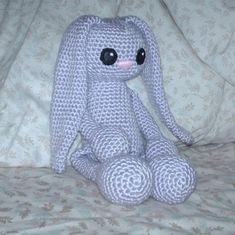 A directory of free Amigurumi crochet patterns Easter Crochet, Cute Crochet, Crochet Crafts, Crochet Baby, Crochet Projects, Knit Crochet, Crochet Bunny Pattern, Crochet Rabbit, Crochet Patterns