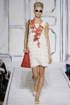 Oscar de la Renta - Spring 2009 Ready-to-Wear - Look 8 of 63
