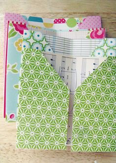 Tuesday Tutorial: Pocket-Page Mini-Album. This has been done with paper, but could easily be done with fabric for tracts