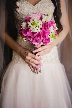 Oana's beautiful wedding bouquet!! love it!