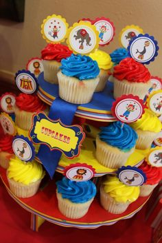 Clown Cupcakes Circus Party Pinterest Clown cupcakes