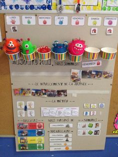 Fantastic Photo preschool classroom calendar Strategies : Are you a new teacher that is wondering the best way to set up a toddler class room? Or were you within your setting up Preschool Calendar, Classroom Calendar, Preschool Classroom, Classroom Decor, Classroom Organisation, Preschool Activities, Organization, Learning Centers, Kids Learning