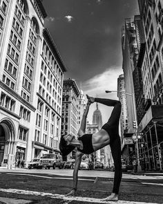 Yoga in the City. http://www.mindbodygreen.com/0-13894/yoga-in-the-heart-of-new-york-city-incredible-photos.html  Sarah Puinno: Flatiron District