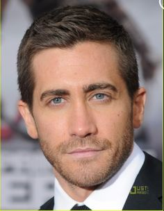 Why is Jake Gyllenhaal so hot?