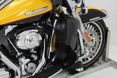 Used 2013 Harley-Davidson FLHTK - Electra Glide Ultra Limited Motorcycles For Sale in Florida,FL. 2013 Harley-Davidson FLHTK - Electra Glide Ultra Limited, ENGINE GUARD!!!<br> <br> HIGHWAY PEGS!!!<br> <br> FLOOR BOARDS!!!!<br> <br> LUGGAGERACK!!!<br> <br> WINDSHIELD!!! <br /> <br /> Classic style and maximum comfort. That´s the perfect balance of the wide set handlebars that come standard on the Electra Glide® Ultra Limited model. They´re designed to keep you comfortably propped in a…