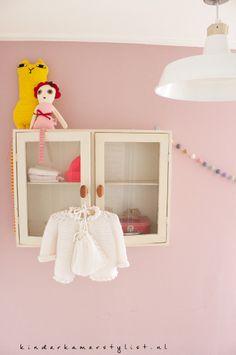 #Kleine #babykamer #small #Nursery #girlsroom | Kinderkamerstylist