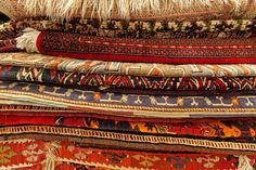 For natural fiber rugs, including wool rugs, Oriental rugs, or antique rugs, we recommend using cotton Instabind instead of the regular polyester. Diy Carpet, Carpet Tiles, Antique Photos, Types Of Carpet, Carpet Installation, Natural Fiber Rugs, Custom Rugs, How To Clean Carpet, Tela